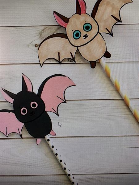 Flying Bat Straw Rockets